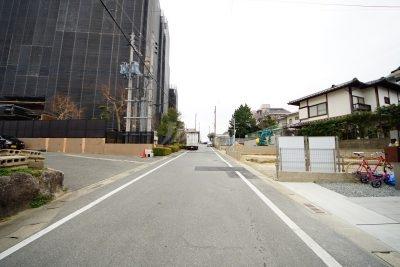 前面道路:北側6m公道