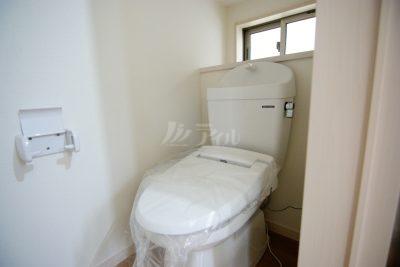 トイレは1.2階共にウォシュレット付きで快適です(同仕様)