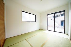 和室はリビングに隣接した居室です(同仕様)