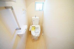 トイレは1.2Fともウォシュレット機能付き。(同仕様)