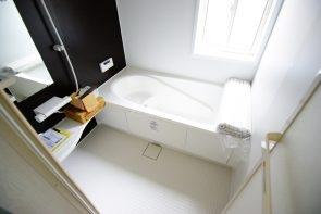 1坪タイプのバスルームは。浴室乾燥機つきです(同仕様)