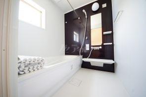 浴室暖房乾燥機、オートバス機能など設備も充実!疲れた体もリフレッシュできそうですね(同仕様)