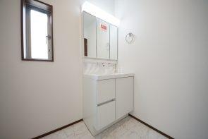 三面鏡付き洗面化粧台(同仕様)