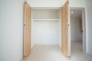 各居室にクローゼット収納を完備(2号棟)