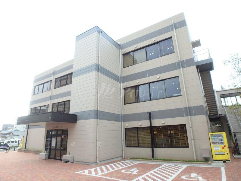 糸島市図書館:徒歩12分(955m)