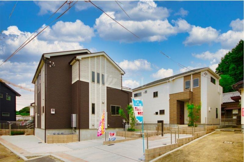 閑静な住宅地に完成しました! 全2棟。子育て環境が充実したエリアです 現地(2021年9月中旬)撮影