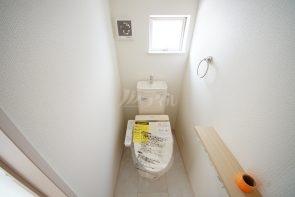 各階にトイレを設置しています(同仕様)